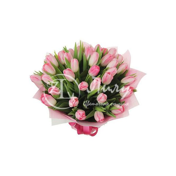 Розовые тюльпаны в упаковке